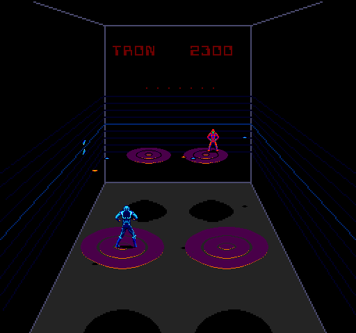 665088-discs-of-tron-arcade-screenshot-trying-to-kill-him