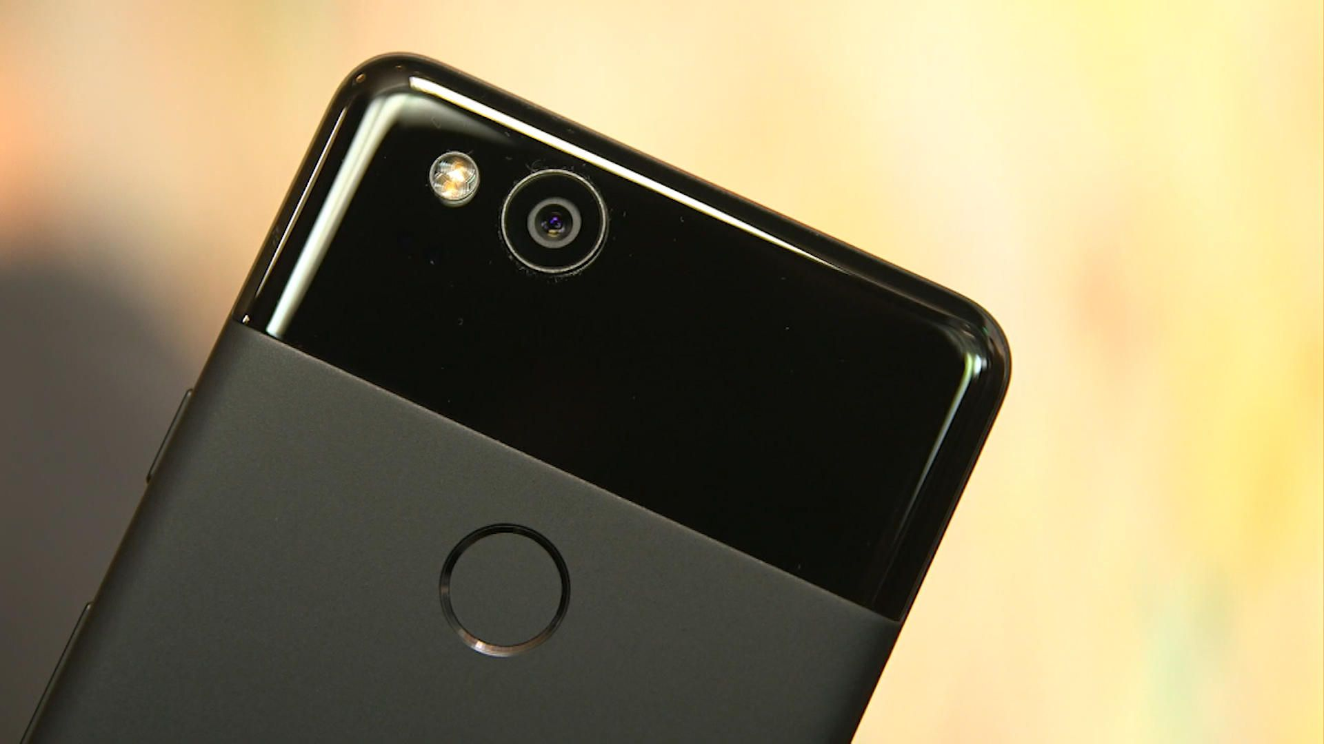 Leak mostra Google Pixel 3 e 3 XL in due colorazioni