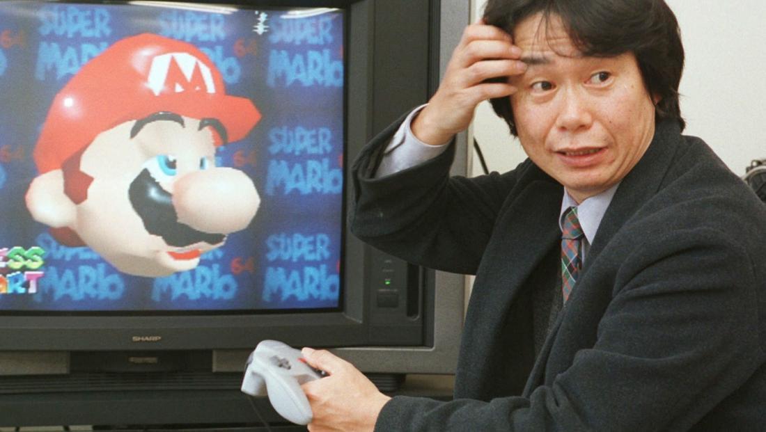 Shigeru Miyamoto alle prese con il suo Super Mario 64